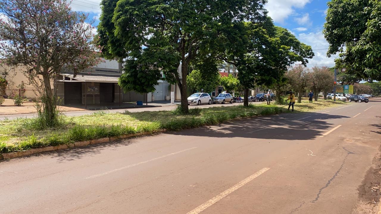Mesmo com chuvas, prefeitura avança na limpeza e tapa-buracos