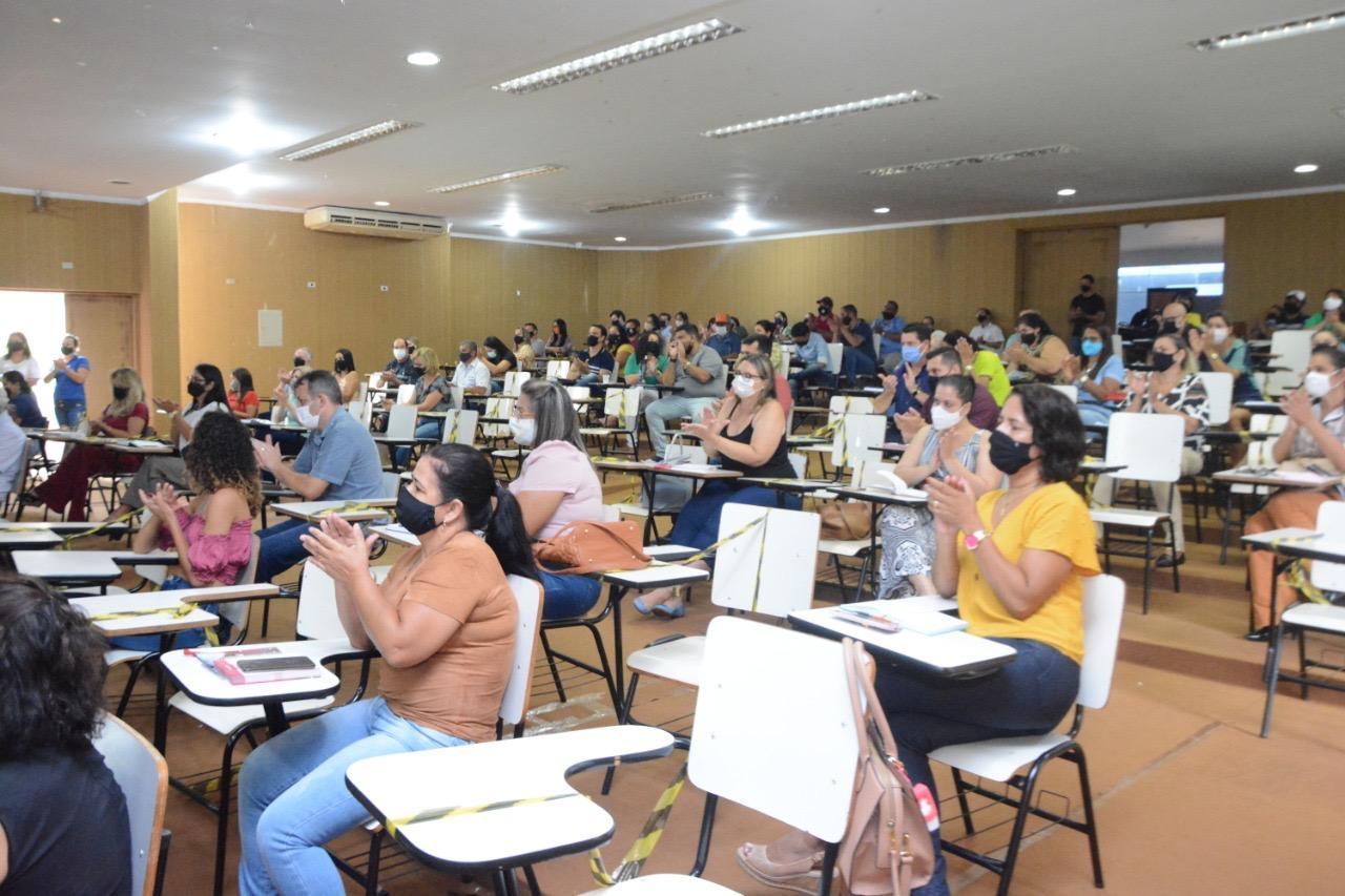 Semed reúne diretores para debater retorno às aulas