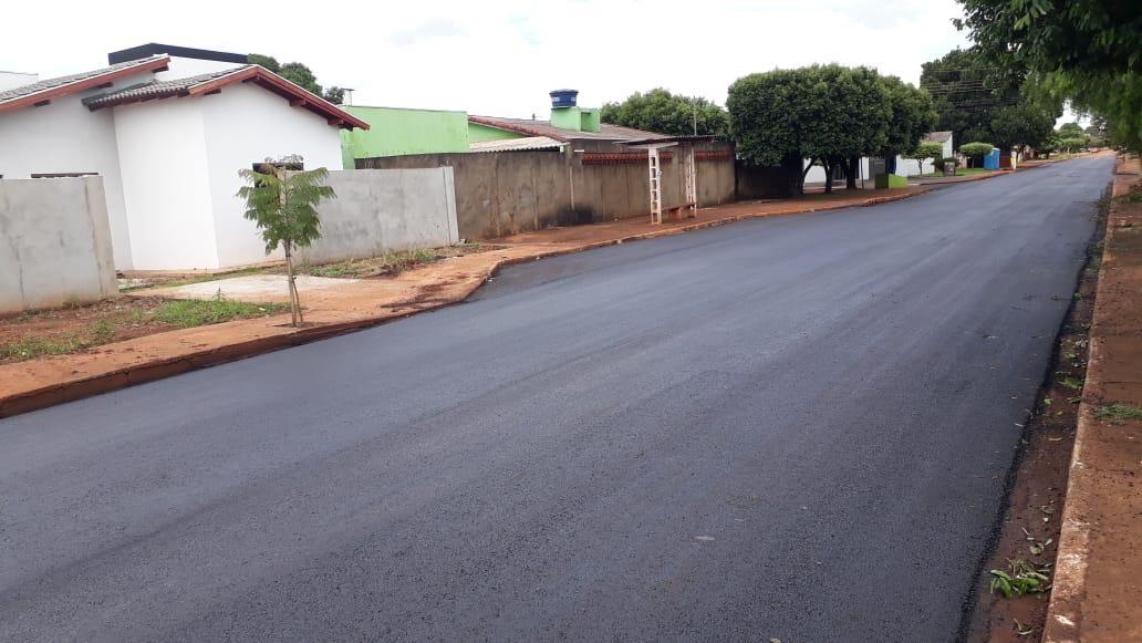 Parceria com o governo do estado melhora ruas de Dourados