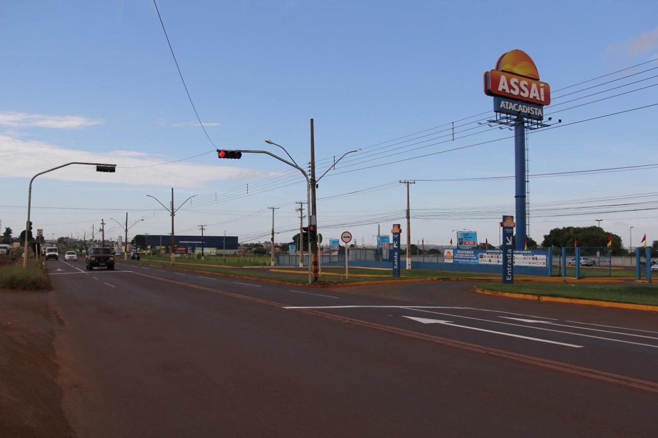 Agetran reforça sinalização e instala semáforo na Coronel Ponciano