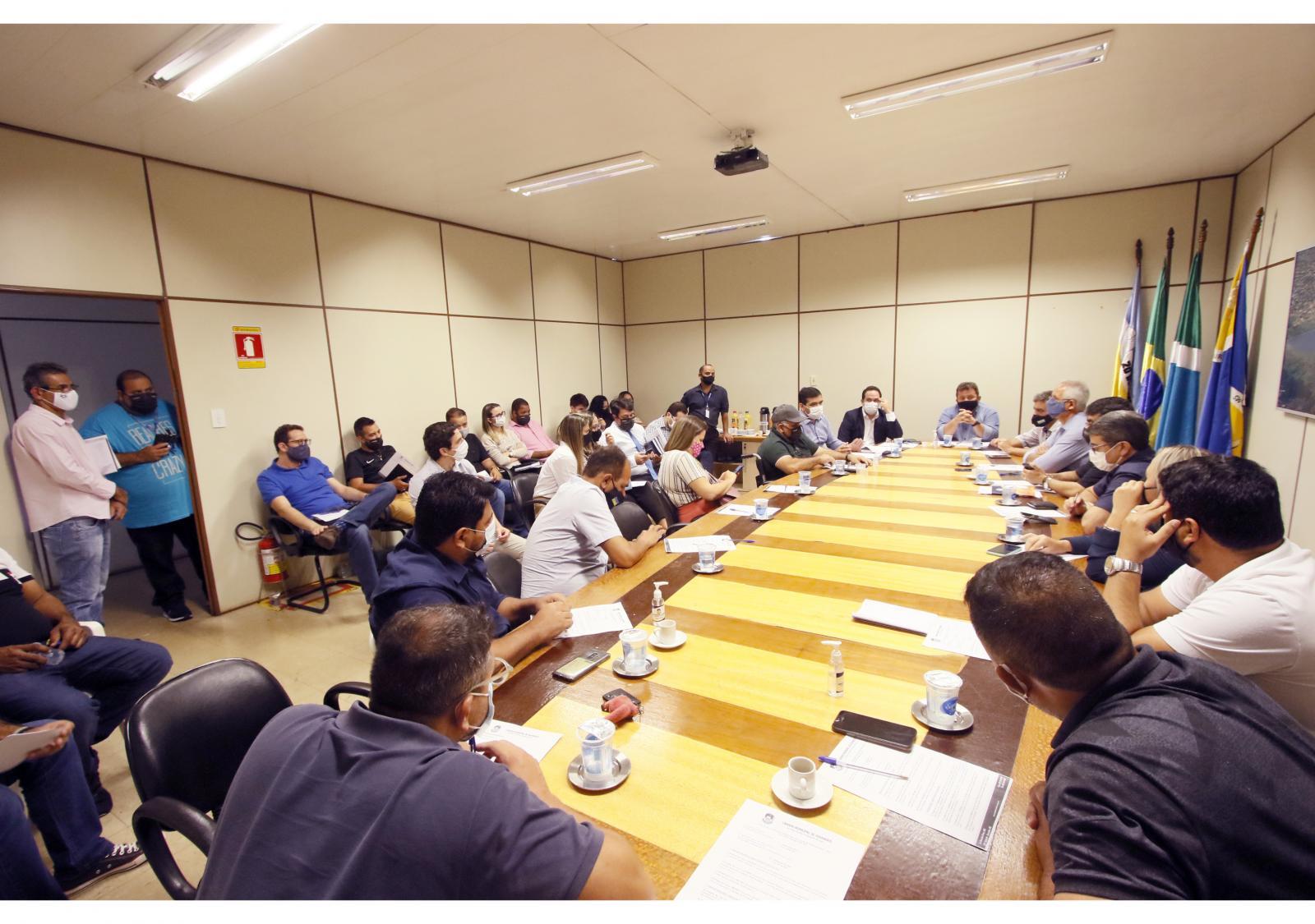 Vereadores recebem secretário de Governo para  esclarecer dúvidas sobre projetos do Executivo