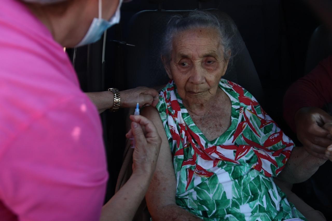 Prefeitura avança em cronograma de vacinação de idosos