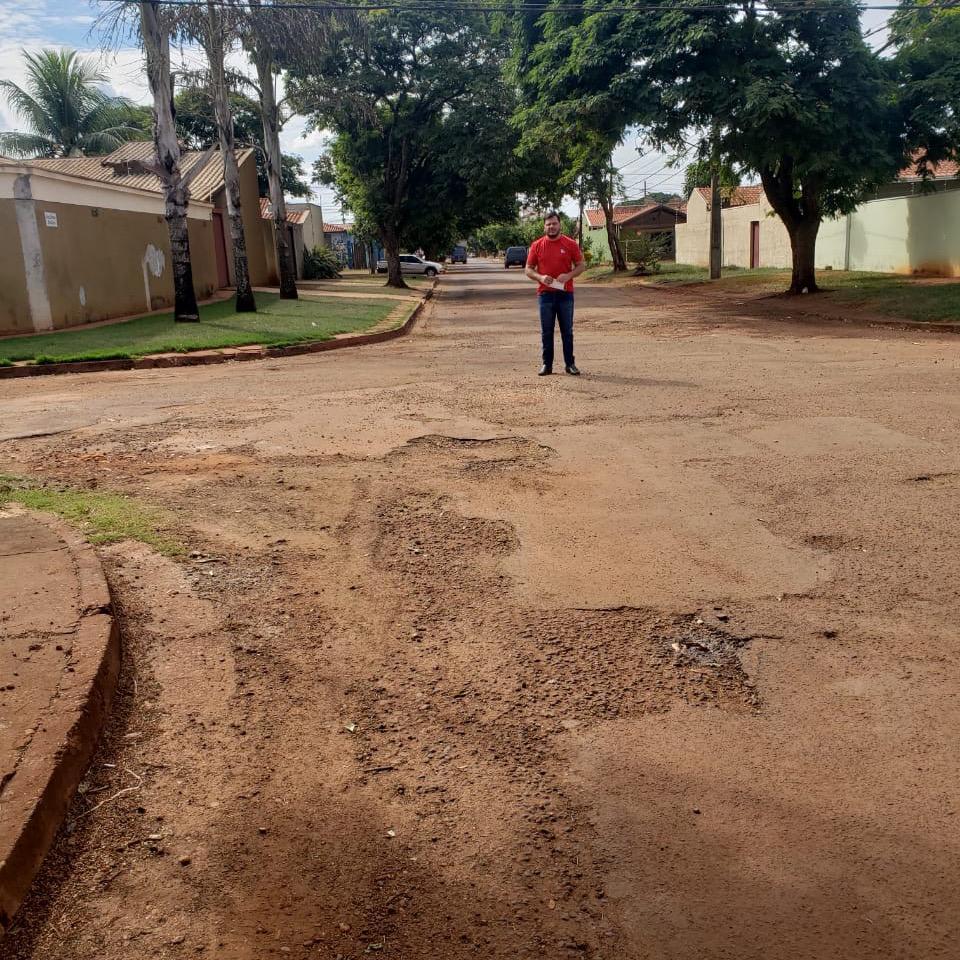 Marcelo Mourão vai a Campo Grande pedir  estudo para recapear ruas do Jardim Maracanã
