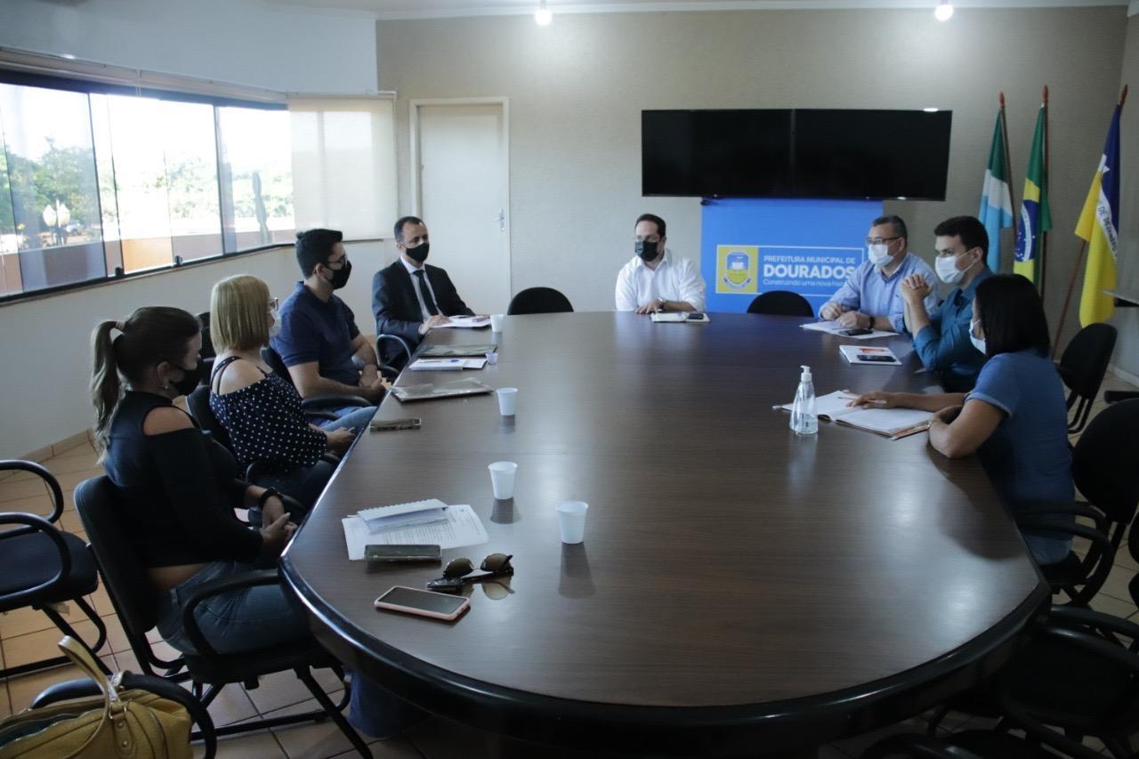 Prefeitura recebe sindicato da enfermagem para debater demandas da categoria